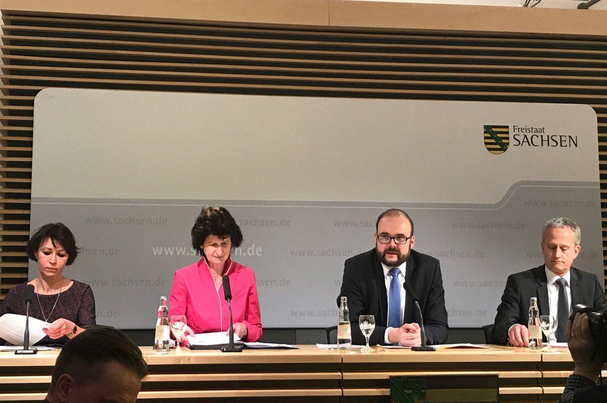 Podium Redner Freistaat Sachsen